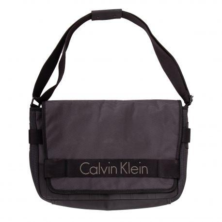 Sac bandoulière à rabat grand modèle Homme CALVIN KLEIN marque pas cher prix dégriffés destockage