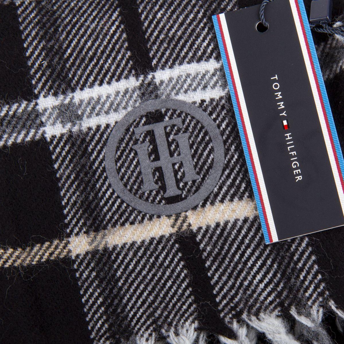 charpe laine femme 200cm x 150cm tommy hilfiger prix. Black Bedroom Furniture Sets. Home Design Ideas