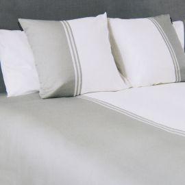 Parure de lit gris et blanc 240X220 KARL LAGERFELD marque pas cher prix dégriffés destockage