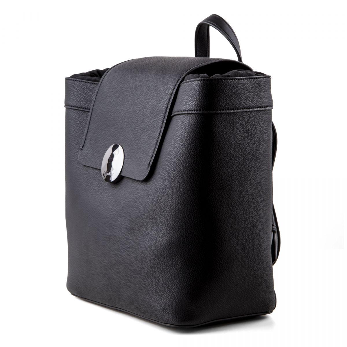 sac dos femme calvin klein prix d griff. Black Bedroom Furniture Sets. Home Design Ideas