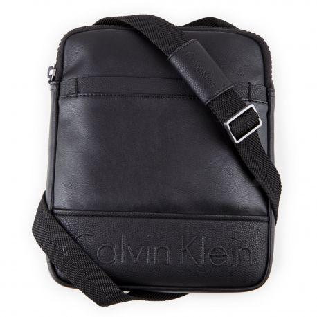 d2178e03024 Sacoche bandoulière cuir noire moyen Homme CALVIN KLEIN marque pas cher prix  dégriffés destockage